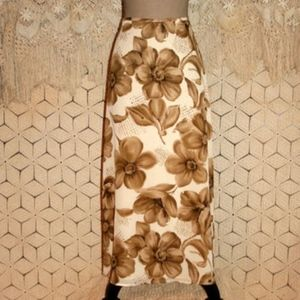 Like new...Woman's Liz Claiborne Lined Long Skirt